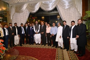 apcnga-delegation-group-photo-with-minster-petroleum-shahid-khaqan-abbasi